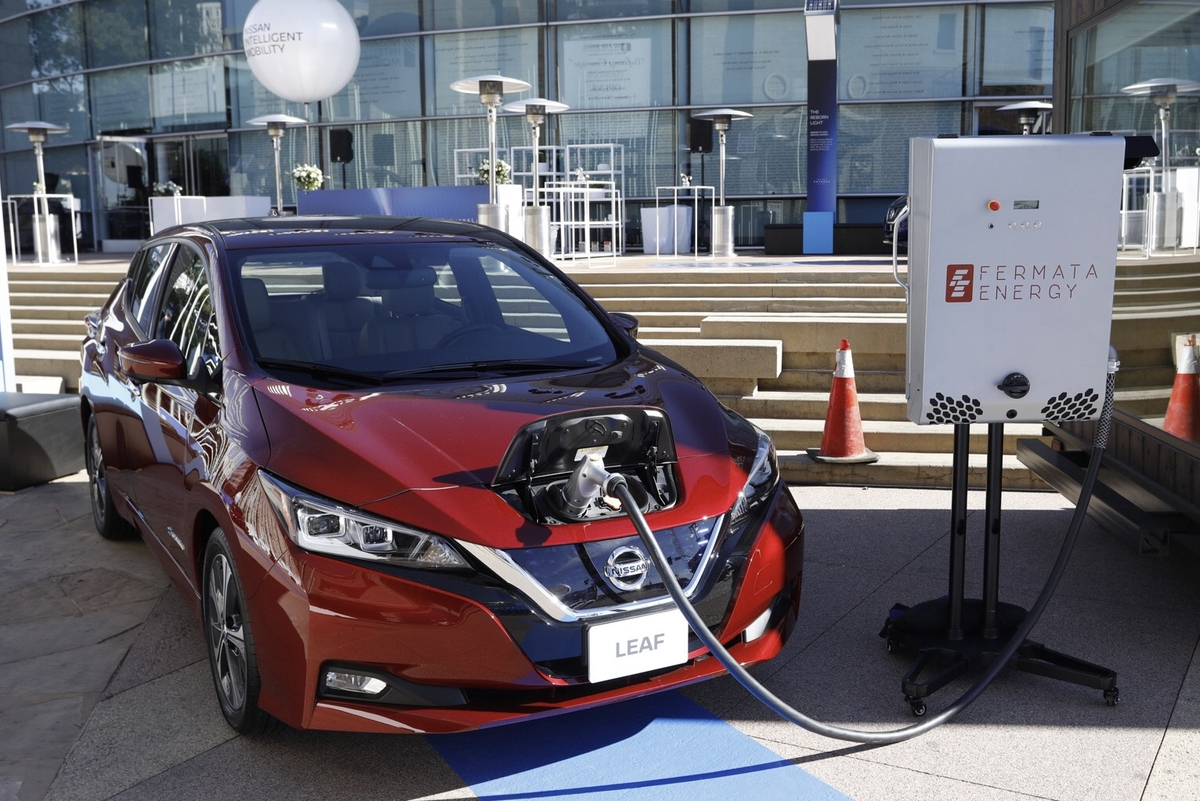 Fall Leaf Sales Fall Nissan Leaf Sales Collapse In Ontario After